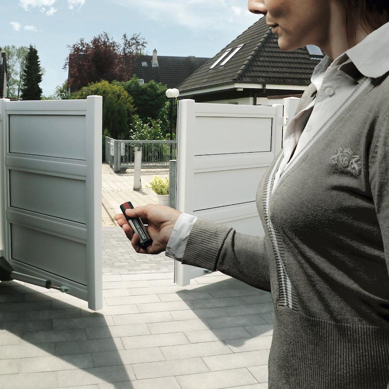 twist XL_Vogel-Toranlagen-mit Frau
